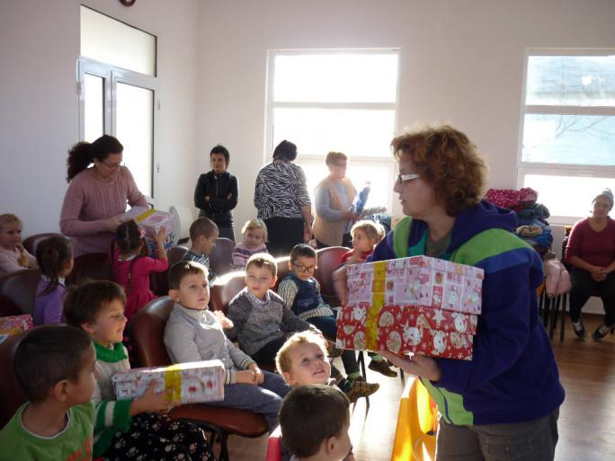 Shoeboxes being distributed